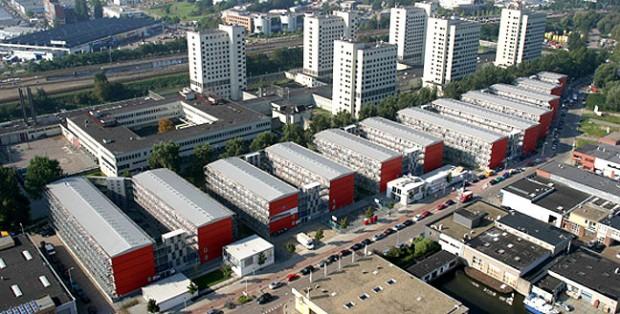 O projeto de moradia estudantil, transformou mil unidades de contêineres em habitações.