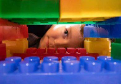 Aos 85 anos, Lego vai produzir peças a partir de bioplástico